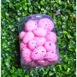 Różowe nakrapiane jajka wielkanocne