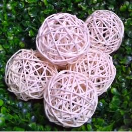 Komplet białych ozdobnych kul ratanowych 7 cm