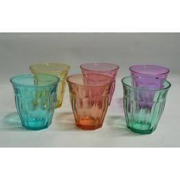 Kolorowe szklanki do napojów
